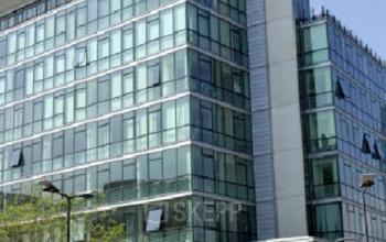 Immeuble de bureau moderne haut de gamme à la rue de la Villette