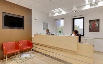 Réception avec salle d'attente où vos invités se sentiront à l'aise à la place Charles Béraudier