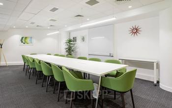 Salle de réunion spacieuse pour organiser vos meetings en simplicité à la rue Crepet
