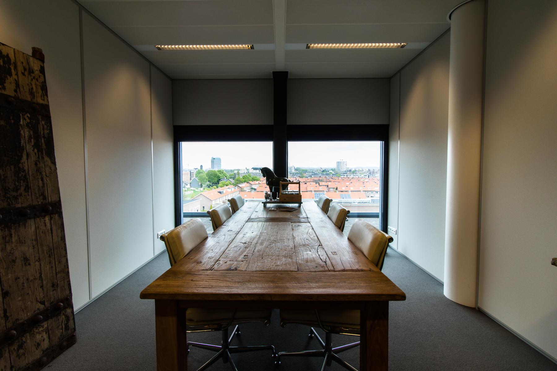 Multiple conference rooms available