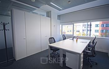 Private or shared offices to rent