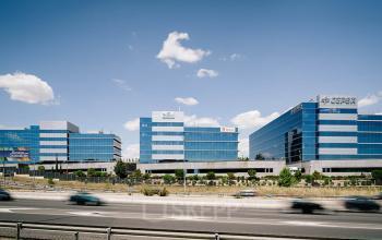 Oficinas privadas o compartidas en Ribeira del Lloira 36-50