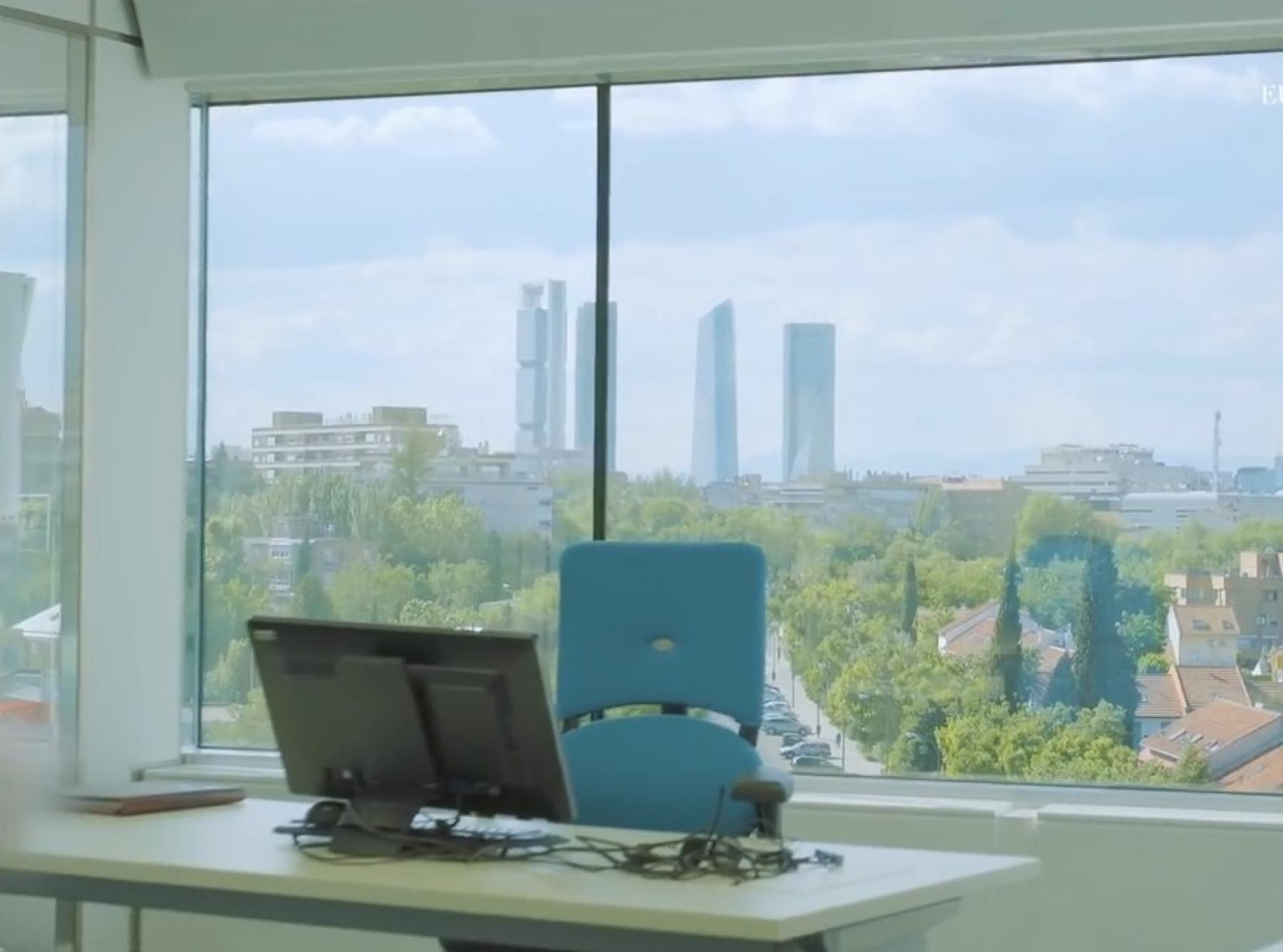 Offices with a view at Calle Eucalipto 33