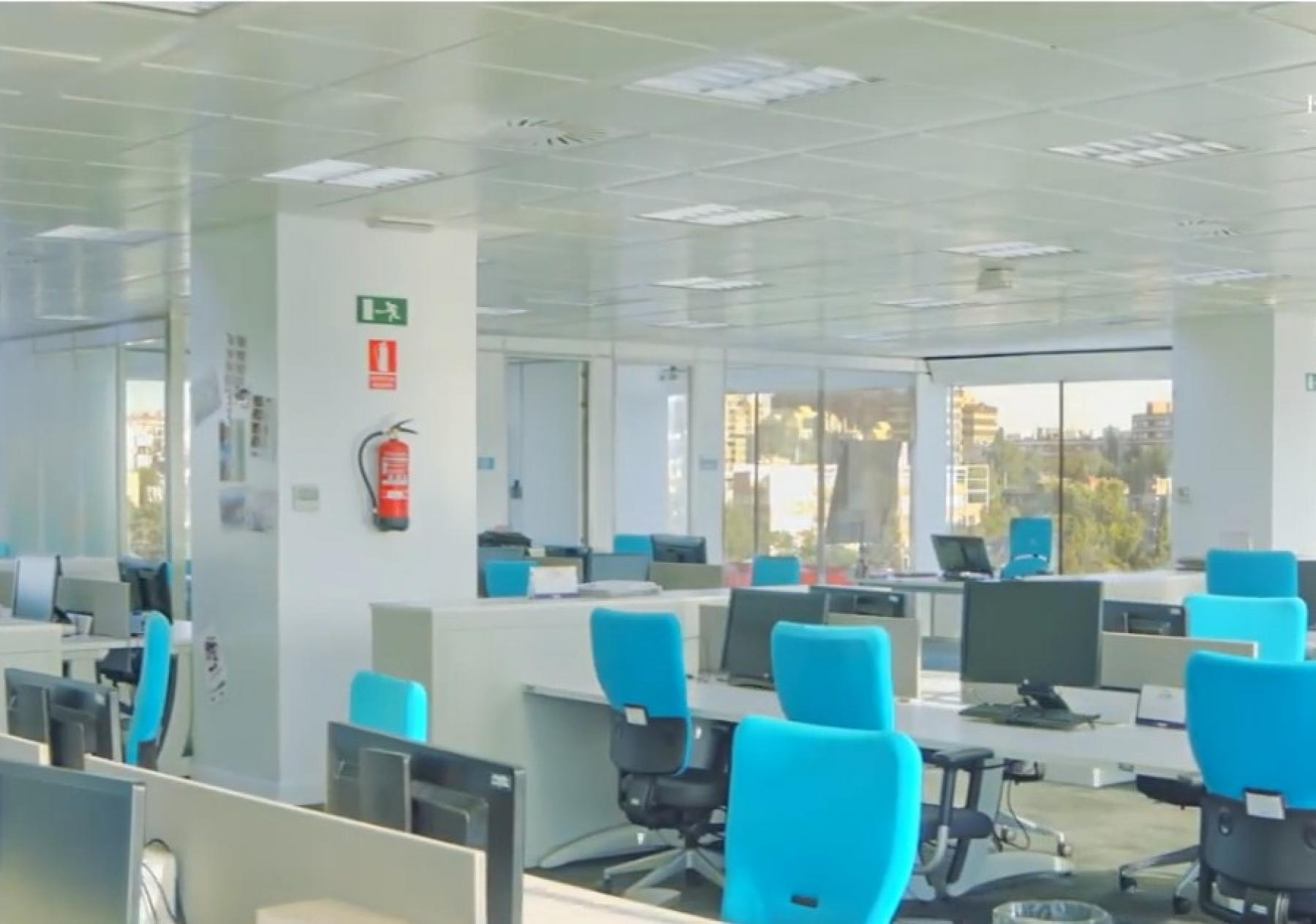 Your office could be like this in Calle Eucalipto 33