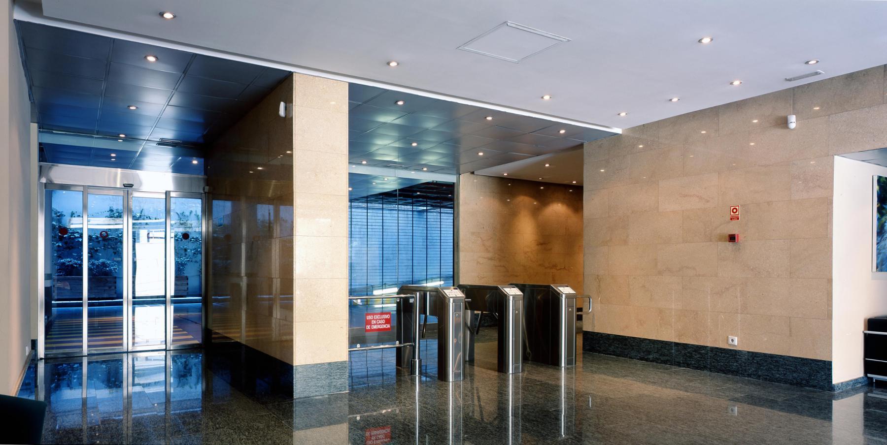 Alquilar oficinas Calle de Serrano Galvache 33, Madrid (3)