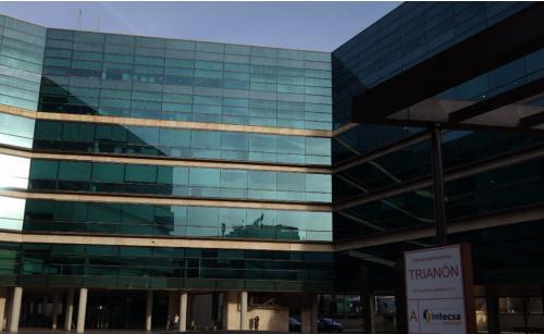 Oficinas privadas o compartidas en la Calle Vía de los Poblados 1-3
