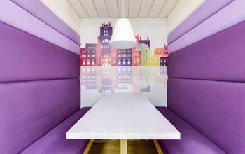 Areas de trabajo común con decoración moderna