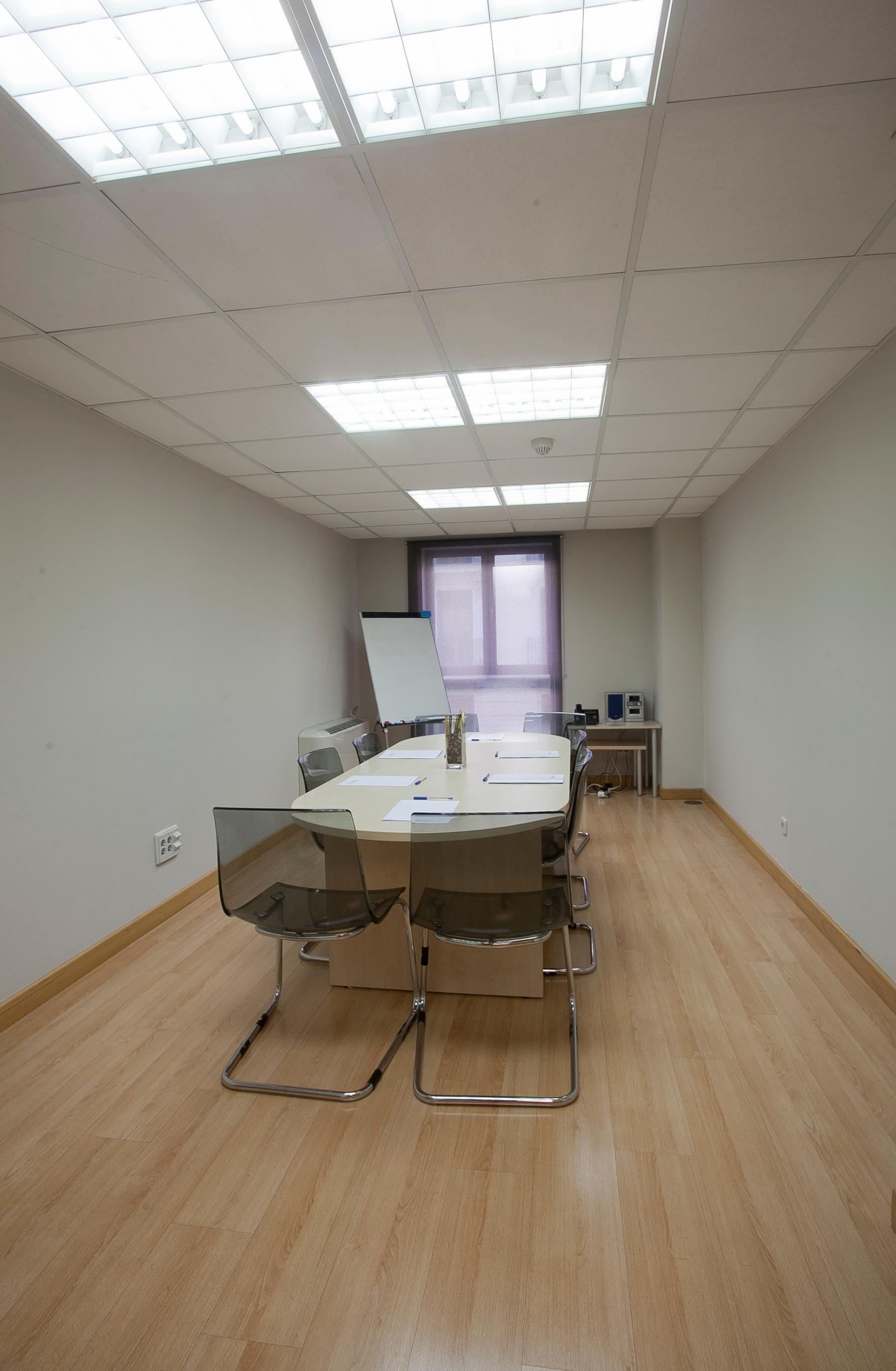 Oficina moderna en Calle Juan Bravo
