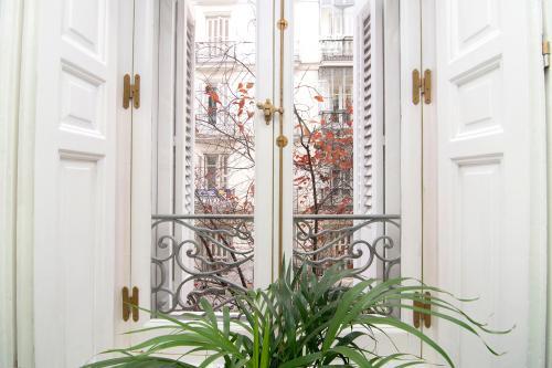 Alquilar oficinas Calle Recoletos 5, Madrid (1)