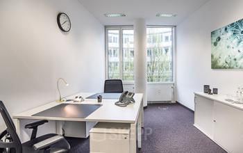 Großes Büro mieten an der Maximilianstraße