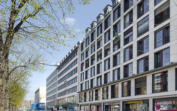 Beeindruckende Außenansicht des Bürogebäudes an der Sonnenstraße in München-Altstadt