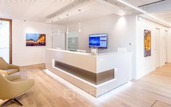 Exklusiver Empfangsbereich des Business Center in München Maxvorstadt