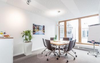 Heller Büroraum zur Miete an der Theresienstraße in München-Maxvorstadt