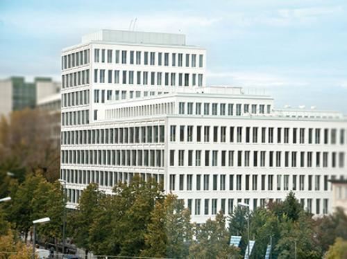 Beeindruckende Außenansicht des Bürogebäudes an der Nymphenburger Straße in München-Maxvorstadt
