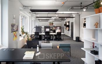Tolle Arbeitsplätze in modern eingerichteter Bürofläche