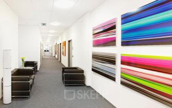 Business Center mit geschmackvoller Büroeinrichtung in München Riem