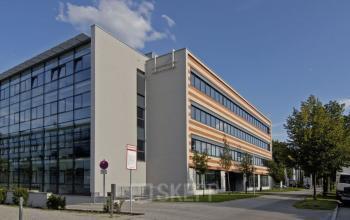 Fantastische Außenansicht der Business Center Immobilie in München Schwabing