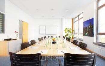 Business Center an der Leopoldstraße in Schwabing mit großem Besprechungsraum