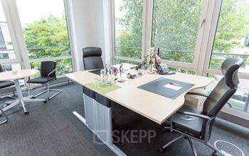 Großes Büro mieten im Business Center an der Marcel-Breuer-Straße in München