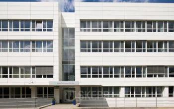 Modernes Bürogebäude mit großen Büroflächen in München Sendling