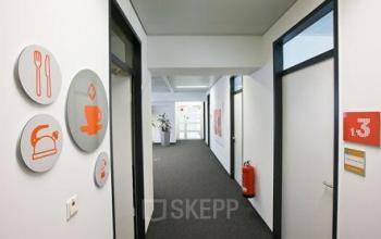 Helles Bürogebäude in München Sendling