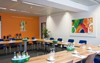 Bürogebäude mit großem Konferenzraum in Sendlingen