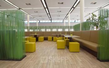 Schöner Gemeinschaftsbereich im Business Center an der Rupert-Mayer-Straße in München