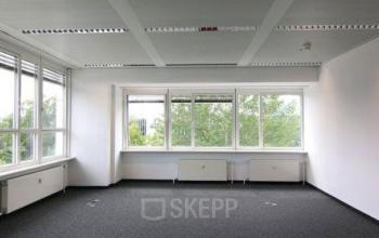 Große Bürofläche mieten in München Sendling