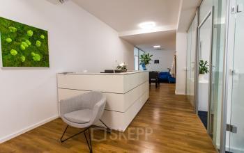 Moderne Rezeption des Business Centers in München Altstadt
