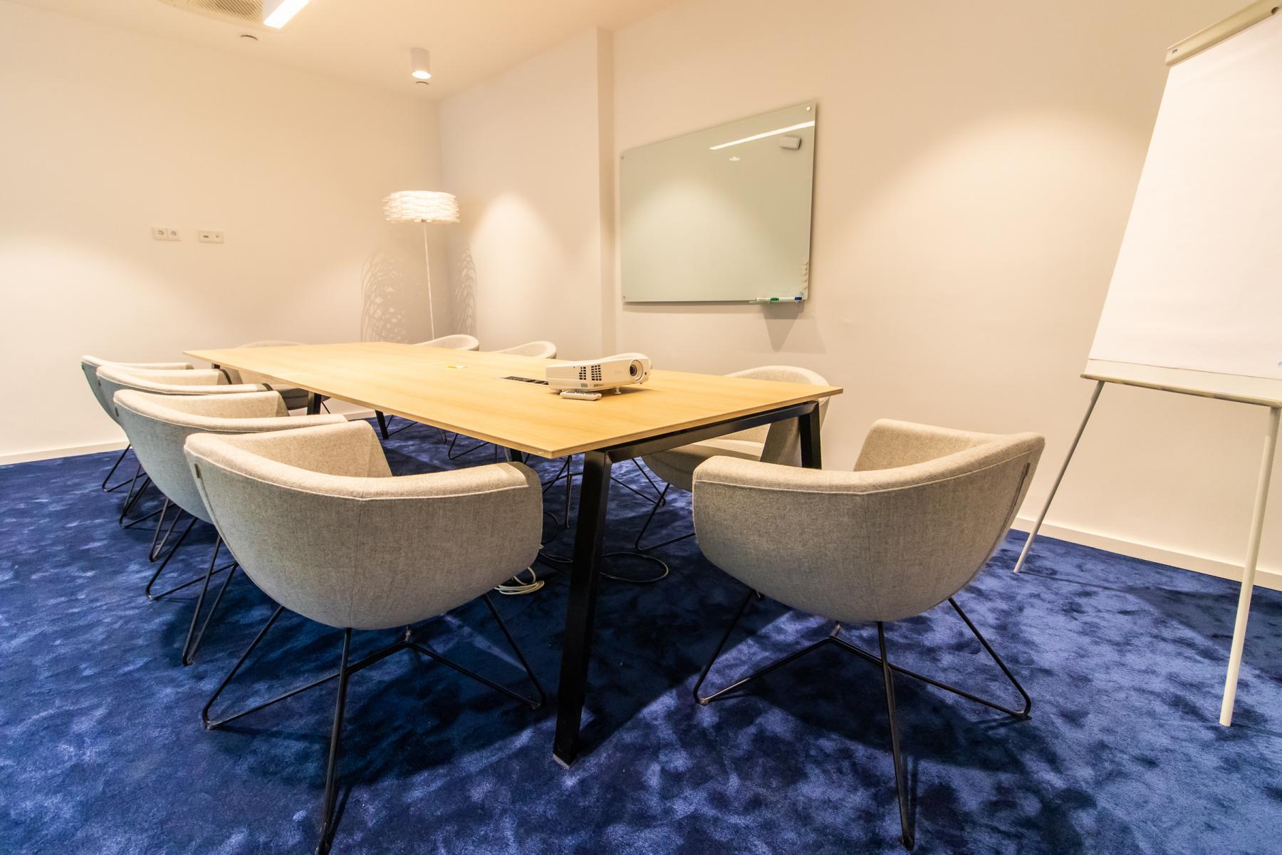 Großer Meetingraum im Business Center in München