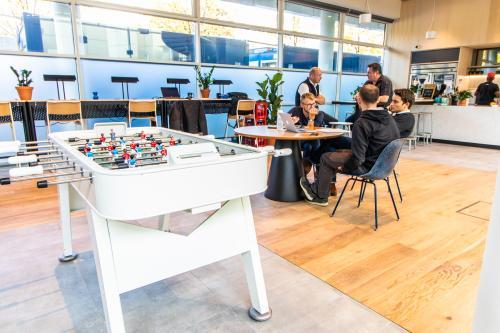 Abwechslungsreiche Business Lounge im Bürogebäude in München, Maxvorstadt