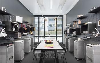 Schönes Büro mit viel Platz zur Ablage