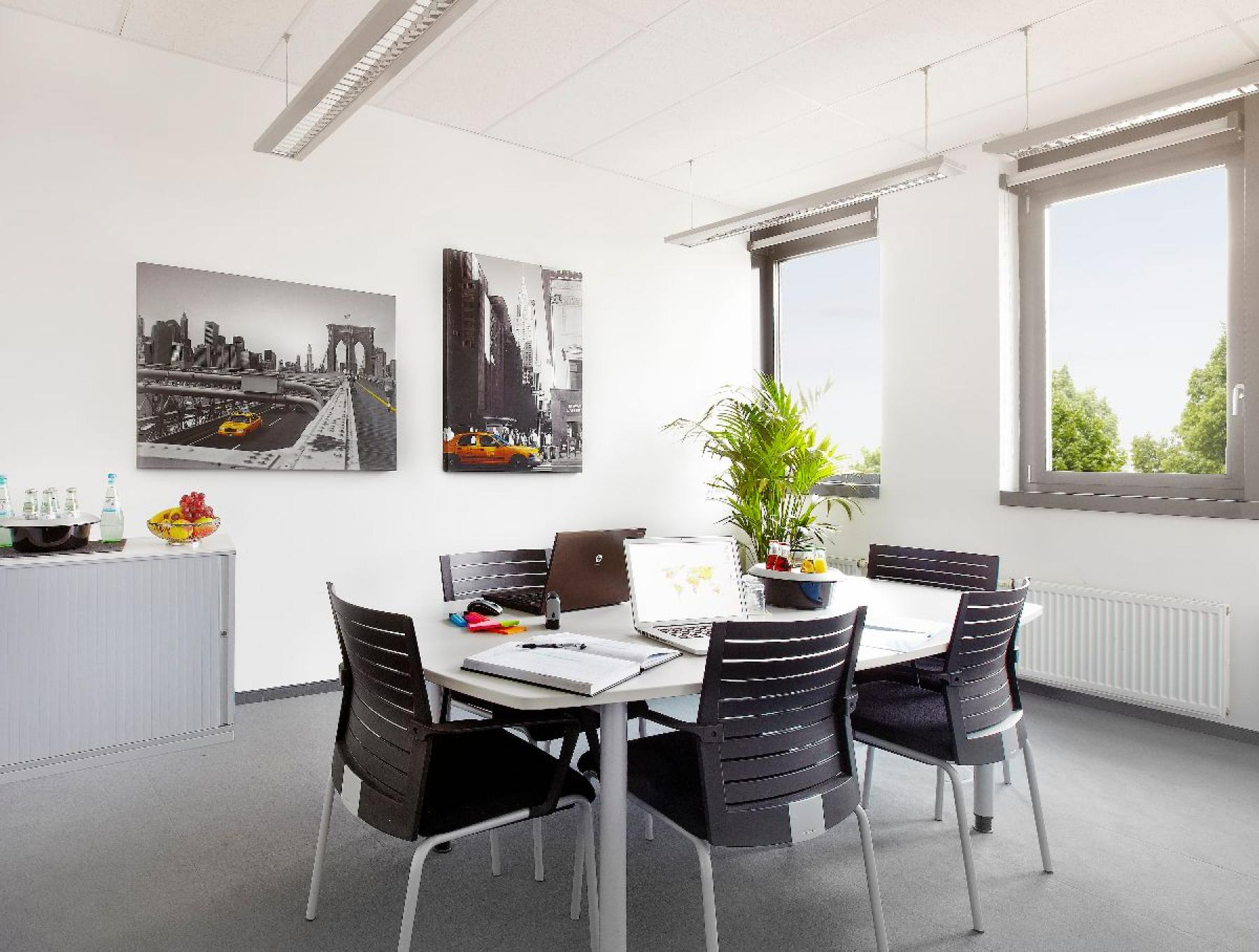 Professionelle Büroflächen mieten mit Gemeinschaftsbereichen in München Riem am Konrad-Zuse-Platz