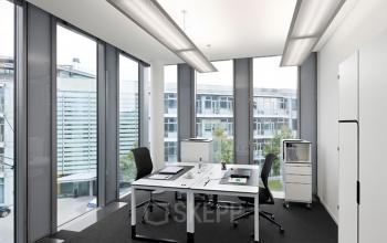 Büro für 2 Personen mit viel Lichteinfall