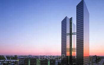 Außenansicht Bürogebäude mit atemberaubender Glasfront