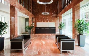 Eine Büroflächen mieten in Sendlingen an der Radlkoferstraße mit hochwertigem Empfangsbereich