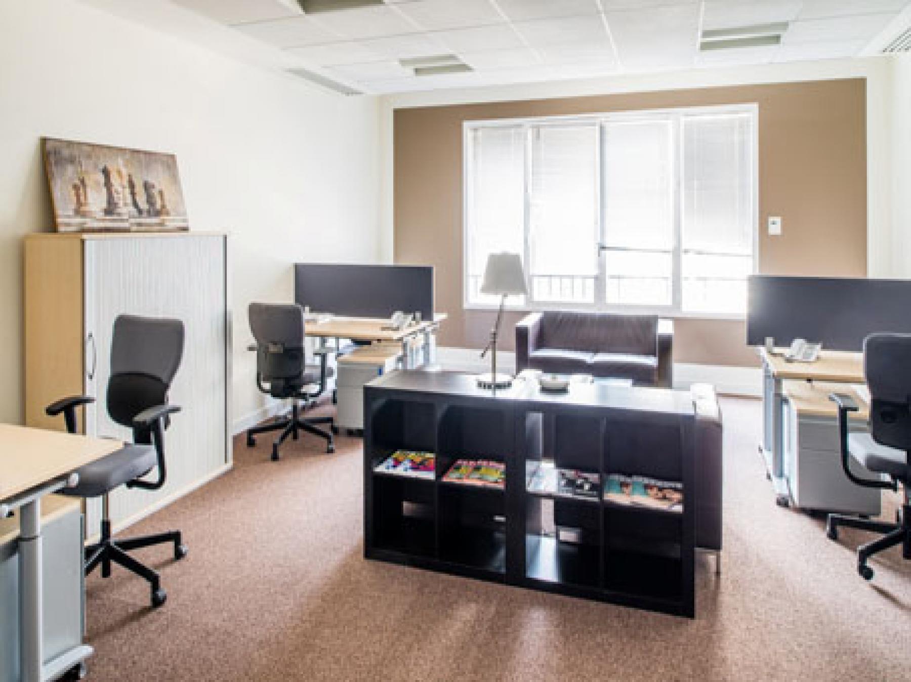 Démarrer vos projets dans cet espace de bureau confortable à l'avenue de l'Opéra
