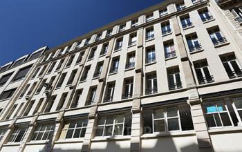 Immeuble de bureaux occupant plusieurs étages dans la Rue Taylor