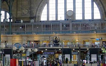 Centre d'affaires situé à l'l'intérieur de la gare du Nord à la rue de Dunkerque