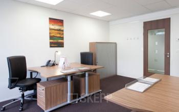 Espace de bureau lumineux avec fauteuils confortables à l'avenue Ledru-Rollin