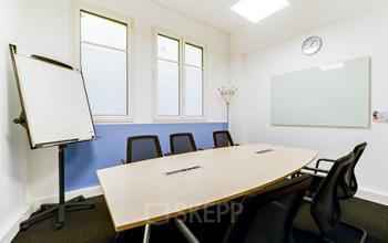 Salle de réunion où vous pourrez organiser des meetings ou des formations à la rue Raffet