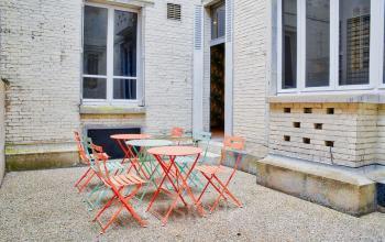 Espace extérieur pour rencontrer vos collègues lors d'une pause bien méritée dans la rue des Belles-Feuilles