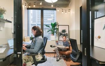 This private office will allow you to work comfortably at Boulevard Pereire