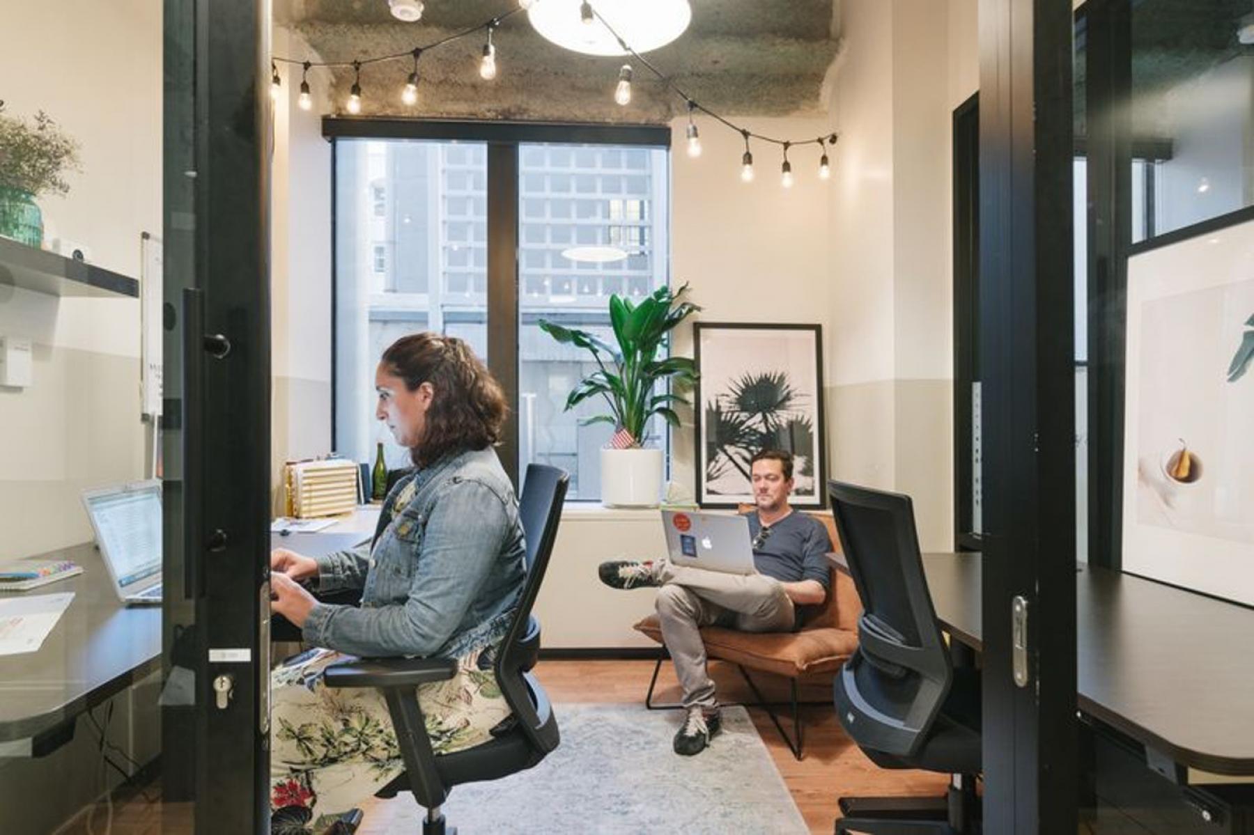 Ce bureau privatif vous permettra de travailler en tout confort au boulevard Pereire