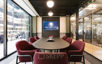 Dans cette salle de conférence entièrement équipée, vous pouvez organiser tous vos événements avec professionnalisme au boulevard Pereire