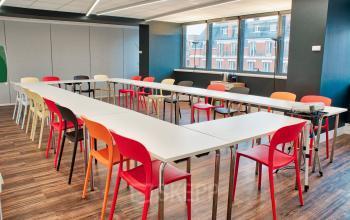 Salle de réunion dans laquelle vous pourrez organiser tout événement d'entreprise au boulevard Gouvion Saint-Cyr