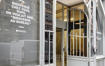 Entrée centre d'affaires dans la Rue Réaumur