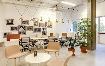 Lieu de travail chaleureux dans notre centre d'affaires dans la Rue Réaumur