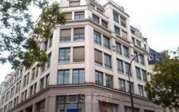 Façade immeuble de bureaux dans la Rue Saint Fiacre