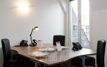 Espace de bureau chaleureux pour travailler dans un environnement agréable à la rue du Quatre-Septembre